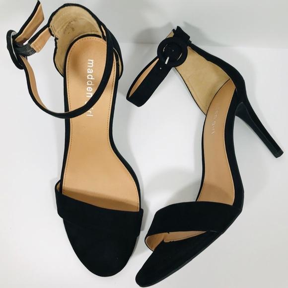 Black Britney Ankle Strap Heel Euc